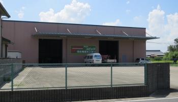 倉庫入り口